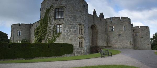 Chirk Castle 1.jpg